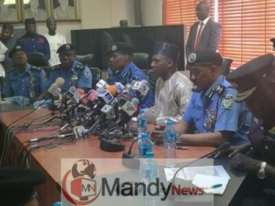 Ibrahim Idris Hands Over Police Flag To New IGP Adamu (Photos)
