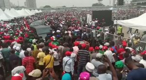 Crowd Waiting For Atiku At Lagos PDP Presidential Rally (Video)