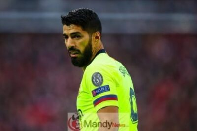 Luis-Suarez-is-angry-after-Liverpool-knocked-Barcelona-out-of-the-Champions-League
