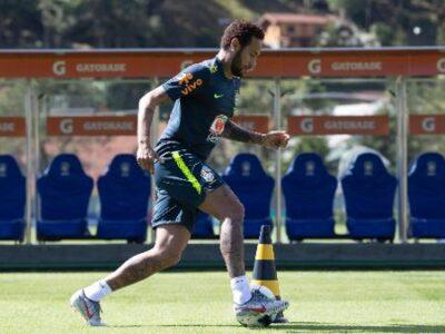 neymar-durante-treino-da-selecao-brasileira-antes-da-copa-america-1559333366614_v2_450x337