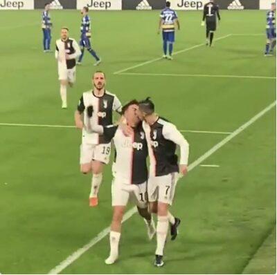 Paulo-Dybala-and-Cristiano-Ronaldo-kissing