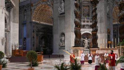 Pope-Francis-Sunday-service