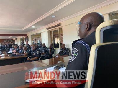Hakeem Odumosu Meet SARS Officers In Lagos
